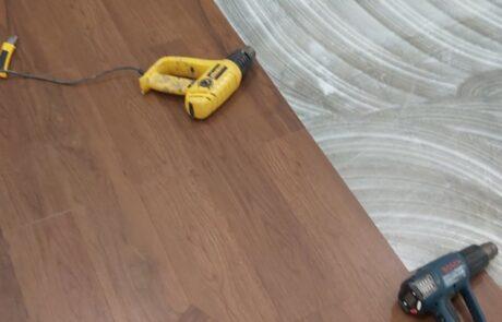 Installation of vinyl tiles (2)